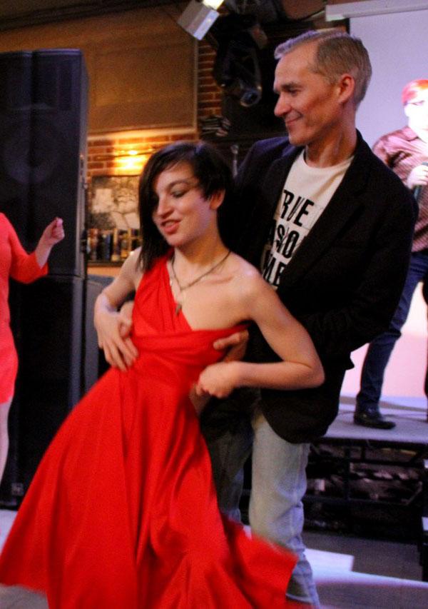 Танец с Джессикой Кю